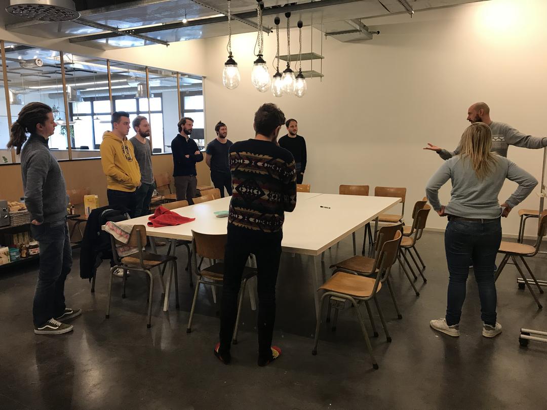 Standup meeting Bruzz team